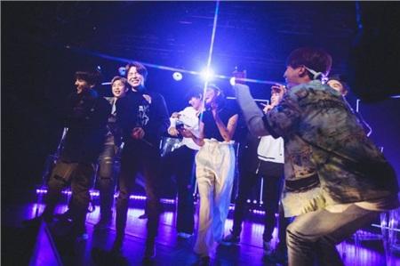 Xem ngay sân khấu Boy With Luv của BTS và Halsey tại chung kết The Voice 2019: Bùng nổ và đầy cảm xúc! 2