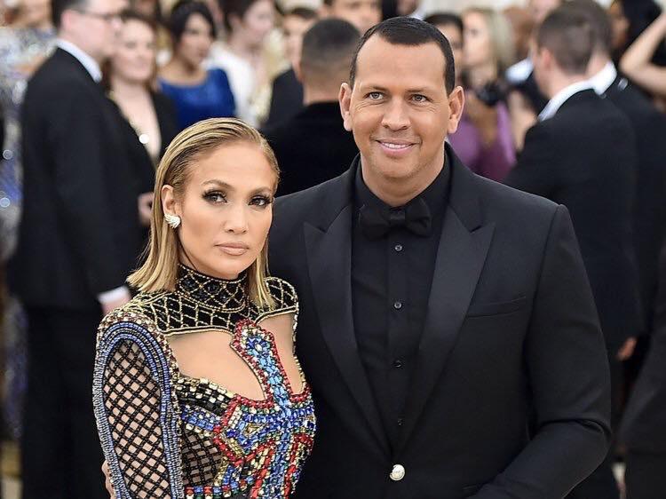 Jennifer Lopez 'rục rịch' chuẩn bị đám cưới lần thứ 4 ở độ tuổi 50 1
