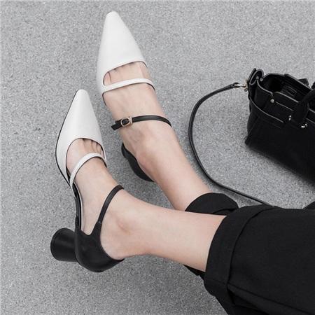 4 mẫu giày tưởng 'lùn' mà lại vẫn hack dáng tôn chân, hội chị em không sắm ngay thì quá phí 5