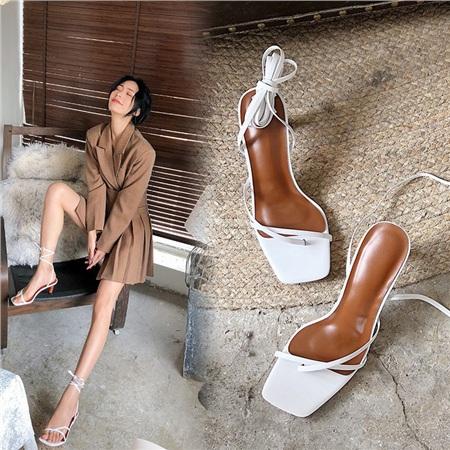 4 mẫu giày tưởng 'lùn' mà lại vẫn hack dáng tôn chân, hội chị em không sắm ngay thì quá phí 14