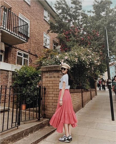 2 nàng Hoa hậu bất phân thắng bại khi diện chân váy dài: Người tưởng 'bánh bèo' hóa ra lại cá tính và ngược lại 8