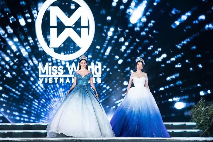 Bộ váy tiếp theo không thể bỏ qua là thiết kế 'song sinh' được nàng hậu diện trong đêm chung kết Miss World 2019.