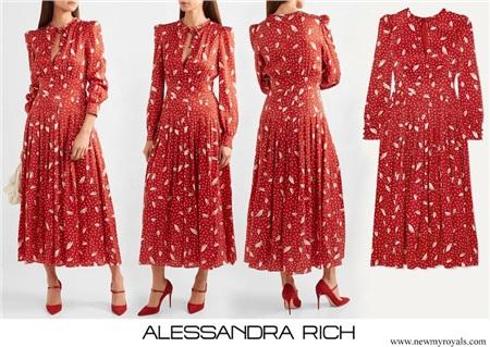 Cùng 1 mẫu váy: Lưu Diệc Phi đẹp như nữ nhân Hoàng gia, Công nương Kate sửa váy tinh tế để tránh sexy 4