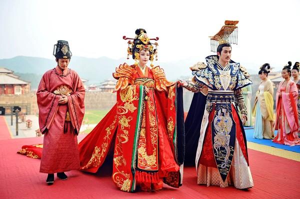 Cảnh đại hôn hoành tráng hoa lệ trong 'Đông cung' gợi nhớ đại lệ phong hậu của 'Võ Tắc Thiên' Phạm Băng Băng 10