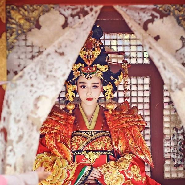 Cảnh đại hôn hoành tráng hoa lệ trong 'Đông cung' gợi nhớ đại lệ phong hậu của 'Võ Tắc Thiên' Phạm Băng Băng 12