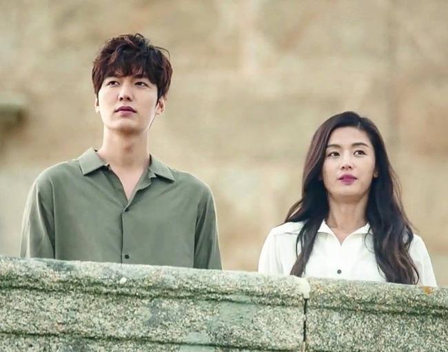 Xem lại những cảnh phim này của Lee Min Ho, các cặp đôi chỉ muốn sánh vai nhau lên đường ngay dịp lễ 0