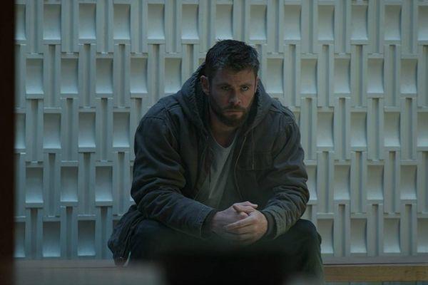 Không còn nặng hành động như Avengers: Infinity War, người tiền nhiệm Avengers: Endgame như một lời tri ân người hâm mộ đã cùng đồng hành 10 năm qua.