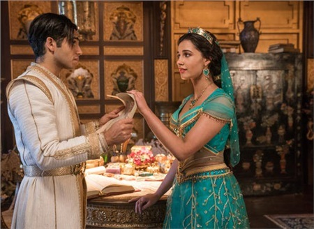Tại sao công chúa Jasmine trong 'Aladdin' 2019 không... ăn mặc hở hang như bản hoạt hình? 3