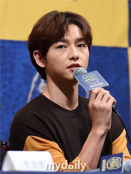 Song Joong Ki tiết lộ những thay đổi sau khi kết hôn với Song Hye Kyo tại họp báo 'Arthdal Chronicles' 0