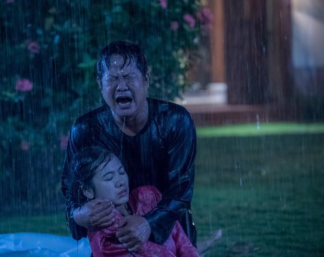 Lý do có tên 'Tiếng sét trong mưa': Vì con gái Thị Bình ngủ với anh trai, tự sát bằng điện giật giữa mưa bão? 4