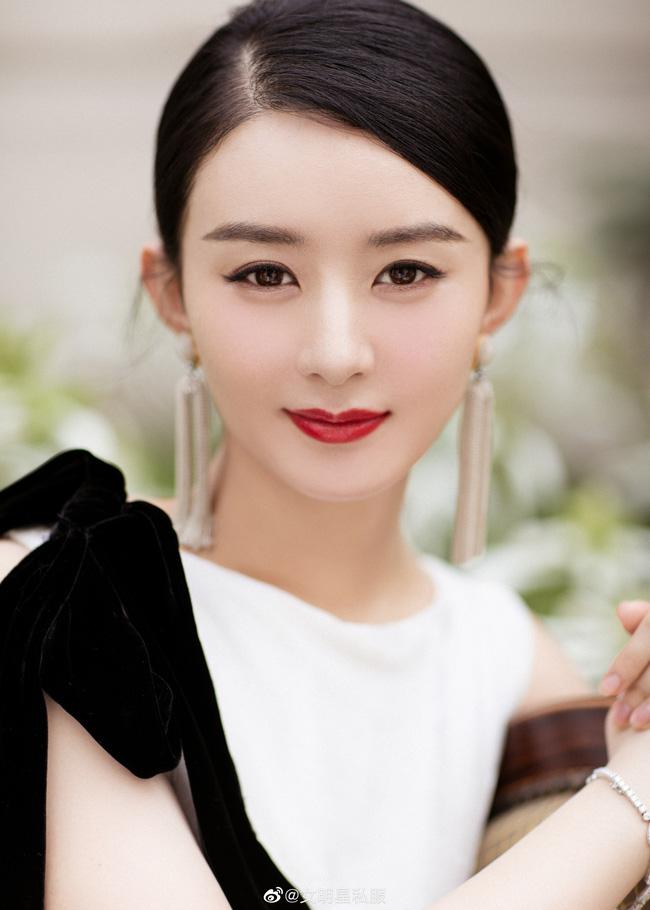 Trước khi nổi tiếng Dương Mịch bị đạo diễn tát, Triệu Lệ Dĩnh bị chê là giống heo 3