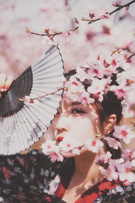 Phụ nữ sinh tháng âm lịch này khổ một lúc giàu một đời, trời sinh sau 35 tuổi được hưởng vinh hoa phú quý 1