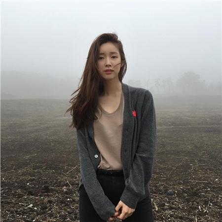 'Siêu năng lực' của idol Hàn: Biến mọi bộ cánh tầm thường trở thành sang xịn khiến ai cũng muốn bắt chước theo 3