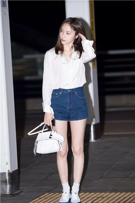 'Siêu năng lực' của idol Hàn: Biến mọi bộ cánh tầm thường trở thành sang xịn khiến ai cũng muốn bắt chước theo 6