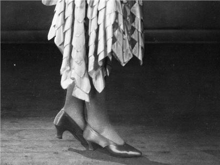 Giày cao gót của phái đẹp đã thay đổi thế nào suốt 100 năm qua 8