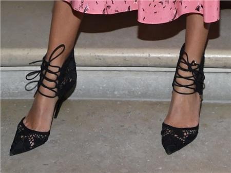Giày cao gót của phái đẹp đã thay đổi thế nào suốt 100 năm qua 36