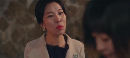 Hả hê trước những pha trả đũa cực gắt của 'điên nữ' Jo Yi Seo trong 'Tầng lớp Itaewon': Quyền thế như chủ tịch Jangga cũng phải muối mặt 3
