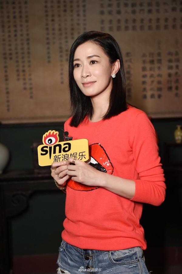 Xa Thi Mạn đột kích phim trường 'Bên tóc mai không phải hải đường hồng', ân cần chăm sóc Huỳnh Hiểu Minh 3