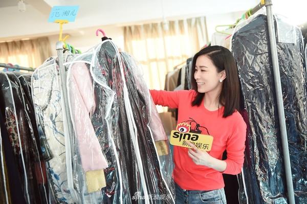 Xa Thi Mạn đột kích phim trường 'Bên tóc mai không phải hải đường hồng', ân cần chăm sóc Huỳnh Hiểu Minh 5