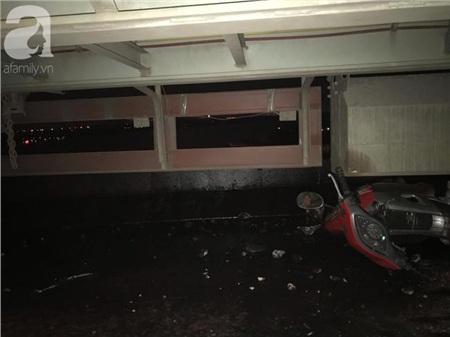 Đã tìm thấy thi thể nạn nhân trong vụ container tông một loạt xe máy từ cầu Thanh Trì rơi xuống sông Hồng 3