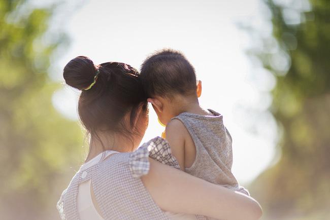 Cuộc chiến giành quyền nuôi con của một cặp đôi đồng giới và bi kịch của những người mẹ 'không cùng huyết thống' với con cái ở Trung Quốc 0