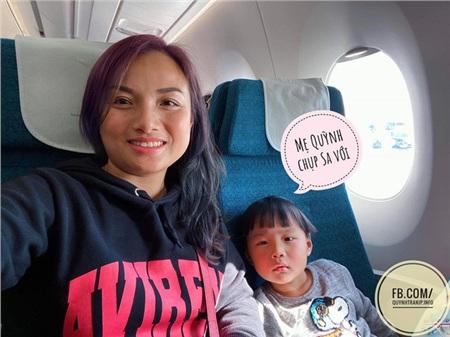 Nổi tiếng chưa lâu, mẹ con Quỳnh Trần JP đã gặp bao nhiêu rắc rối: Hết bị chế ảnh bé Sa rồi lại đến hàng loạt Facebook giả mạo 'mọc lên như nấm sau mưa' 0