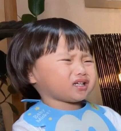 Nổi tiếng chưa lâu, mẹ con Quỳnh Trần JP đã gặp bao nhiêu rắc rối: Hết bị chế ảnh bé Sa rồi lại đến hàng loạt Facebook giả mạo 'mọc lên như nấm sau mưa' 5