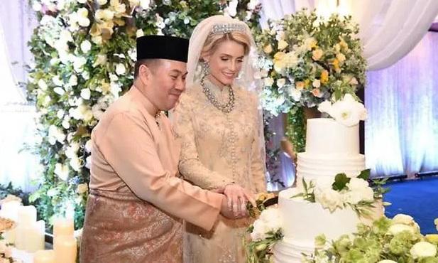 Từng bị phản đối vì quá khác biệt, nàng dâu ngoại quốc của hoàng gia Malaysia có cuộc sống thay đổi hoàn toàn sau 1 năm kết hôn với Thái tử 0