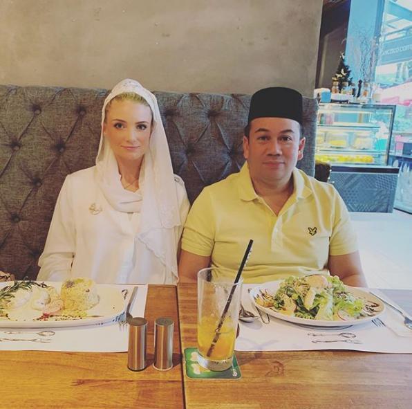 Từng bị phản đối vì quá khác biệt, nàng dâu ngoại quốc của hoàng gia Malaysia có cuộc sống thay đổi hoàn toàn sau 1 năm kết hôn với Thái tử 8