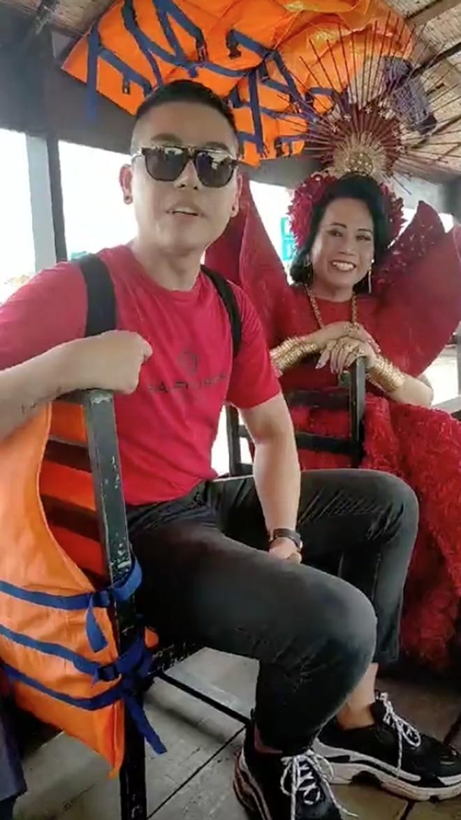 'Cô Minh Hiếu' trang điểm và ăn vận lòe loẹt nhưng vẫn 'ton sur ton' với chồng sắp cưới