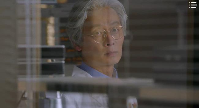 'Vagabond' tập 3: 'Nín thở' xem Lee Seung Gi và Suzy đọ súng với khủng bố, ai ngờ bạn thân lại có ngày lật mặt thế này 4