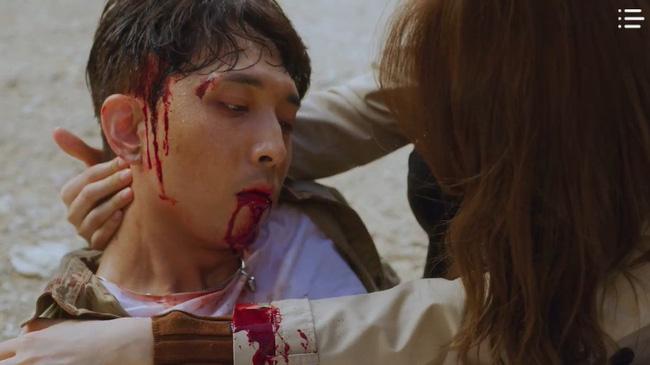 'Vagabond' tập 3: 'Nín thở' xem Lee Seung Gi và Suzy đọ súng với khủng bố, ai ngờ bạn thân lại có ngày lật mặt thế này 15