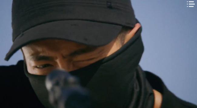 'Vagabond' tập 3: 'Nín thở' xem Lee Seung Gi và Suzy đọ súng với khủng bố, ai ngờ bạn thân lại có ngày lật mặt thế này 16