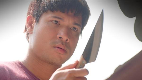 'Cây táo nở hoa' tập 35:Ngà cầm dao đòi'tiễn' cả nhà đi hết,Châu đề nghị đưa anh ba vào viện tâm thần