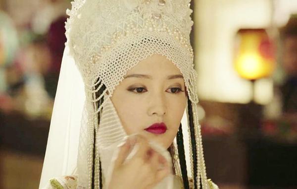 Hàn Hương Kiến (Lý Thấm) trong trang phục Hàn tộc