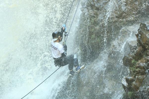 Ngọc Thanh Tâm trượt ngã nguy hiểm khi vượt thác nước 7 tầng, Phương Anh Đào cãi nhau căng thẳng với Phương Oanh, Oxy 2