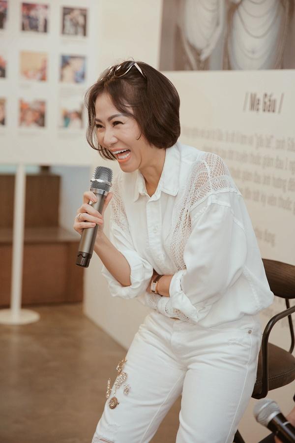 Sau 4 năm làm mẹ, ca sĩ Thu Minh lần đầu để lộ ảnh cận mặt con trai 8