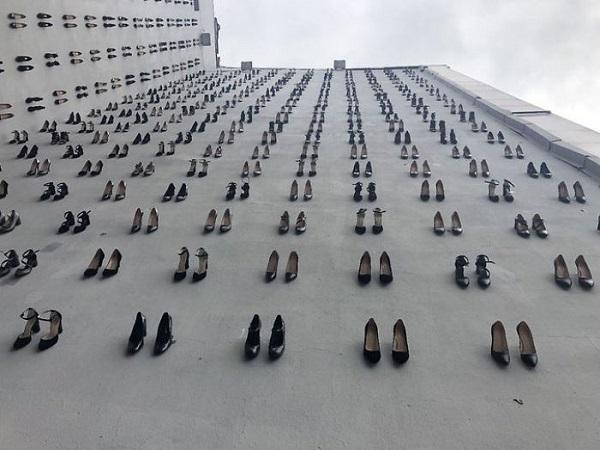 Đài tưởng niệm 440 đôi giày cao gót - lời cảnh tỉnh cho nạn bạo lực gia đình 0