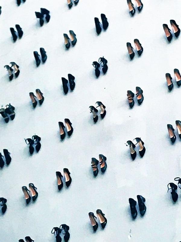 440 đôi giày tưởng niệm cho 440 người phụ nữ qua đời vì bạo hành gia đình.