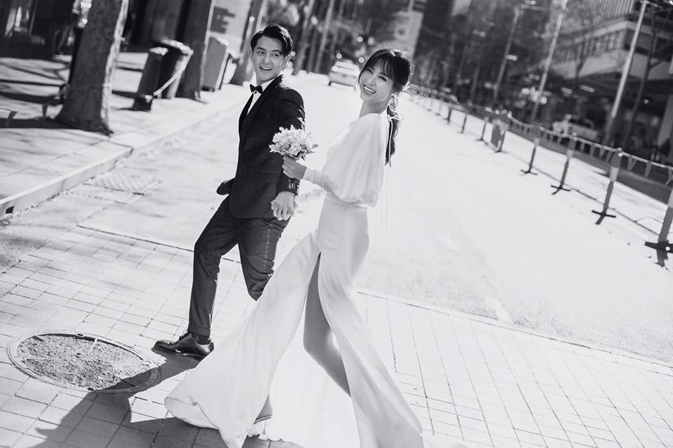 Trước thềm đám cưới, cặp đôi lại 'đốn tim' fan bằng bộ ảnh cưới đẹp mãn nhãn chụp tại Sydney.