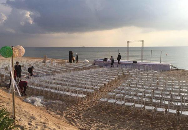 Lộ ảnh hiếm hoi về quang cảnh hôn lễ trên bãi biển của Ông Cao Thắng - Đông Nhi tại Phú Quốc 3