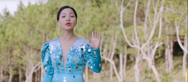 Danh ca Khánh Loan tái xuất làng nhạc Việt, làm mới bản thân trong MV 'Hãy để em đi' 2