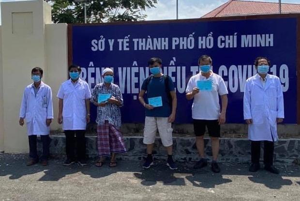 BN100 cùng một số bệnh nhân khác được công bố khỏi bệnh và ra viện vào ngày 3/4 vừa qua