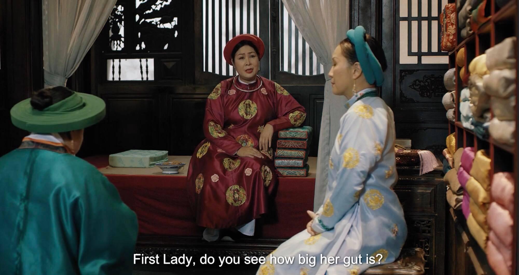 Phương Nhậm dằn mặt Nguyên cơ:'cô nên nhớ tôi mới là người được trao quyền cai quản lục thượng chứ không phải là cô'.