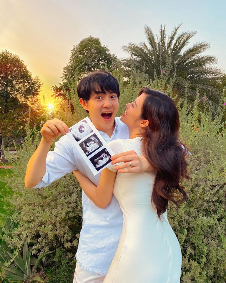 Bức ảnh vỡ òa trong hạnh phúc trong lần đầu được lên chức bố mẹ của Đông Nhi - Ông Cao Thắng