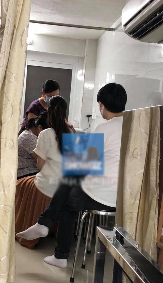 Hình ảnh từng gây xôn xao dư luận khi bắt gặp Đông Nhi - Ông Cao Thắng ở một phòng khám thai tư, thời điểm này cả hai vẫn chưa xác nhận có tin vui